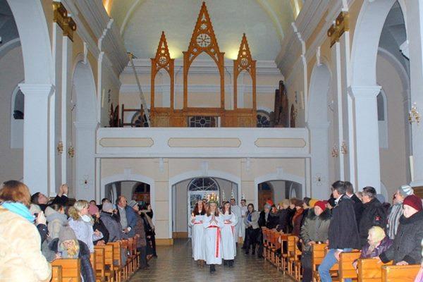 Turpina Ludzas katoļu baznīcas ērģeļu restaurācijas darbus