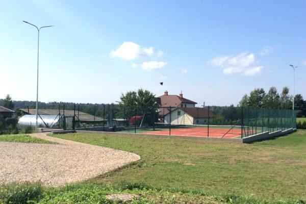 Ludzā izbūvēts jauns tenisa laukums
