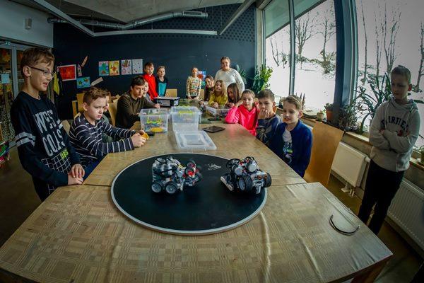 Bērniem Ludzas novada BJC piedāvā Lego robotikas pulciņu
