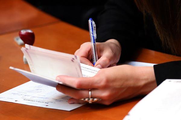 Uz robežām konstatē 2 personas ar viltotiem dokumentiem