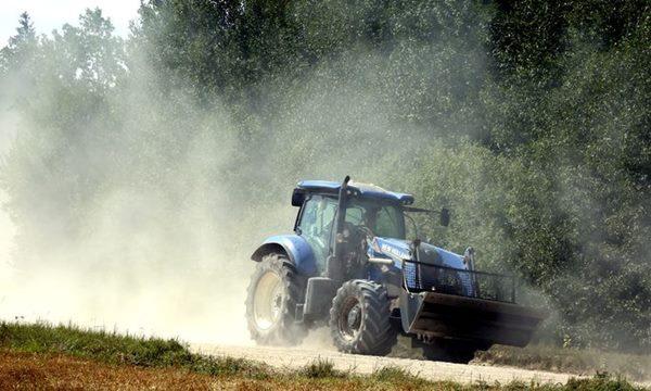Apgāžoties traktoram, Ciblas novadā iet bojā vīrietis