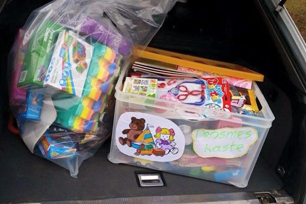 """Ludzas jauniešu klubs aicina ziedot rotaļlietas akcijā """"Drosmes kaste"""""""